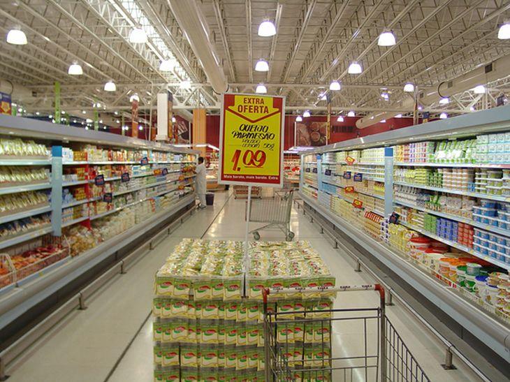 10 cosas que hacen los supermercados para que compres más imagen