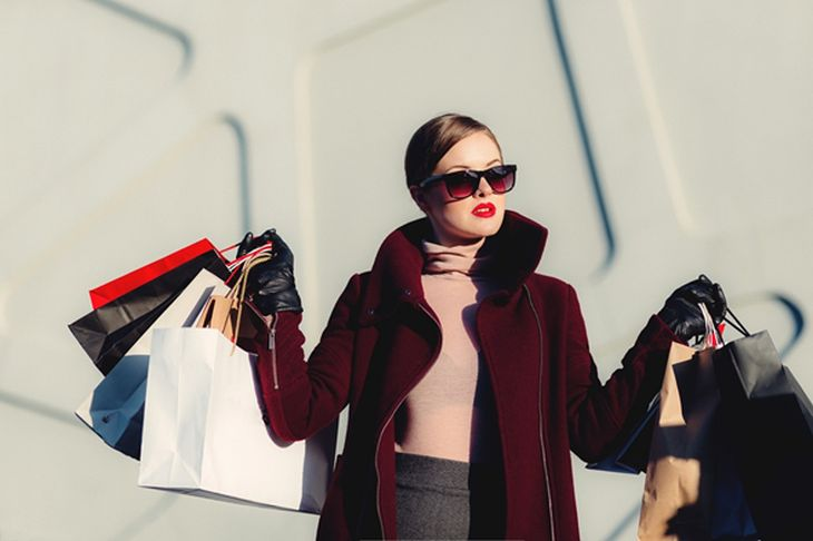 9 señales que te dirán si eres un comprador o compradora compulsiva sin saberlo