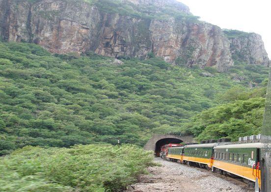 El Chepe: el maravilloso tren escénico que desafía el abismo imagen