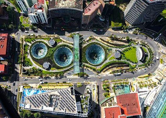 Garden Santa Fe, el mall futurista bajo la Ciudad de México imagen