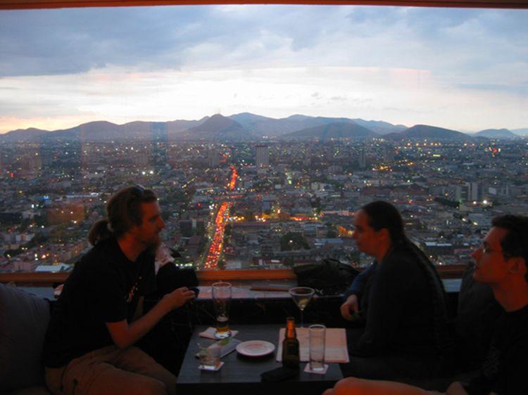 Miradores de lujo para ver la Ciudad de México al anochecer  imagen