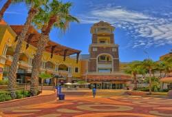 Puerto Paraíso: de compras junto al acuario más grande del mundo