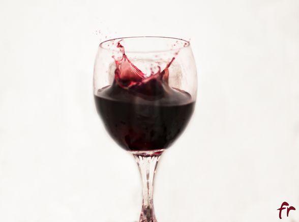 Remedios caseros para limpiar  las manchas de vino imagen